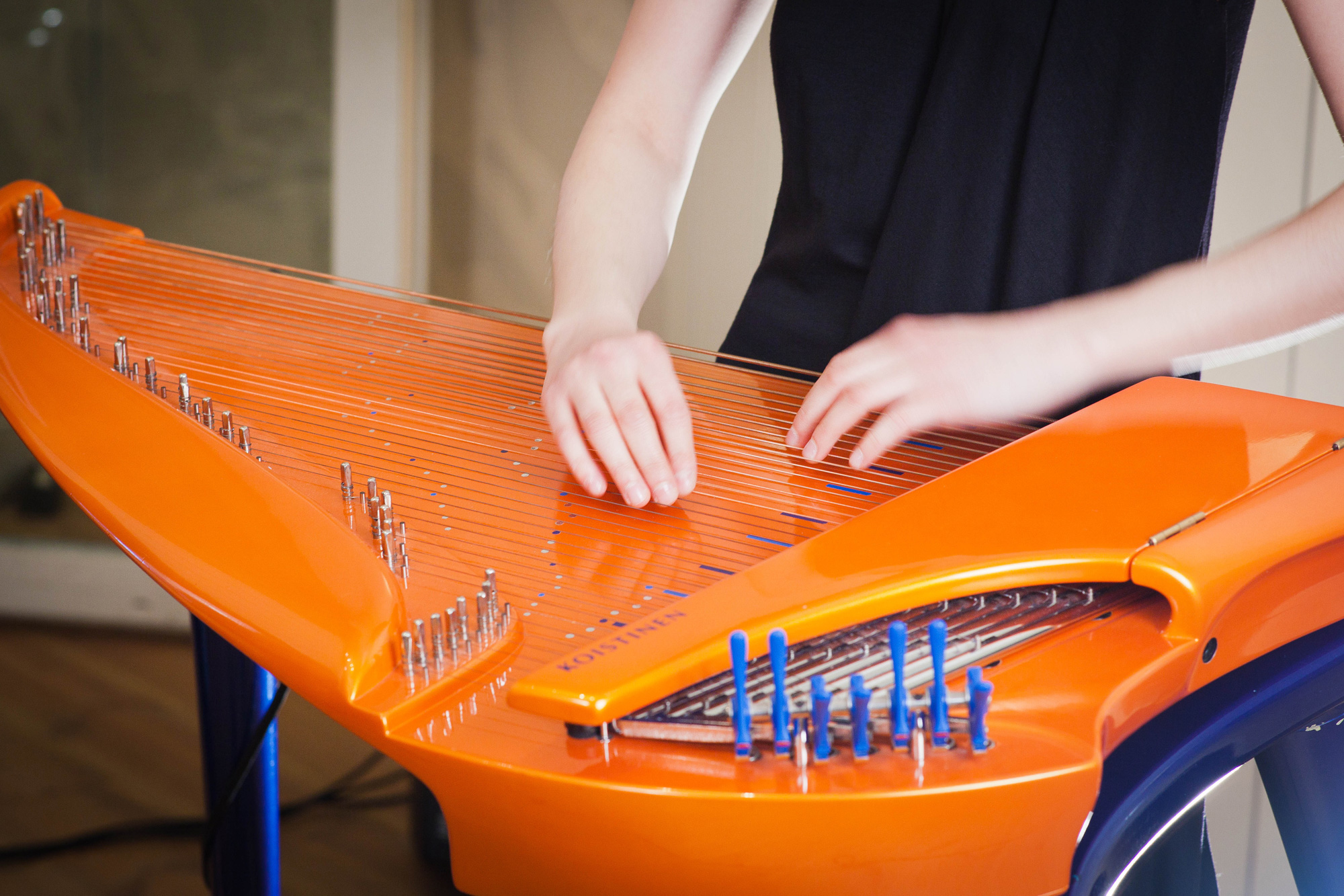 Olgas-hands-on-electric-kantele copy
